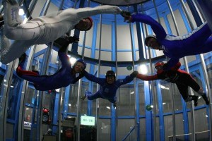 https://www.3nd.nl/wp-content/uploads/2015/07/skydive-indoor-300x200.jpg